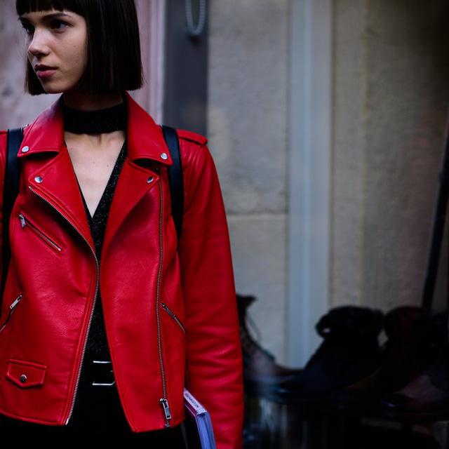 Săm soi áo khoác Thu - Đông cá tính ở Tuần lễ thời trang Paris - Ảnh 9.
