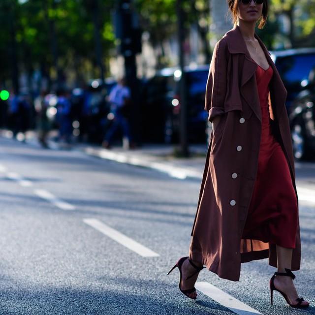 Săm soi áo khoác Thu - Đông cá tính ở Tuần lễ thời trang Paris - Ảnh 19.
