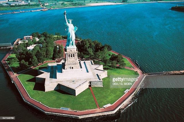 Tượng Nữ thần Tự do có ý nghĩa gì với người Mỹ? - Ảnh 1.