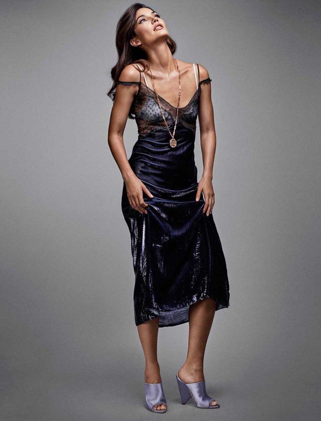 Thiên thần Victorias Secret đẹp lộng lẫy với bộ cánh sang chảnh - Ảnh 7.