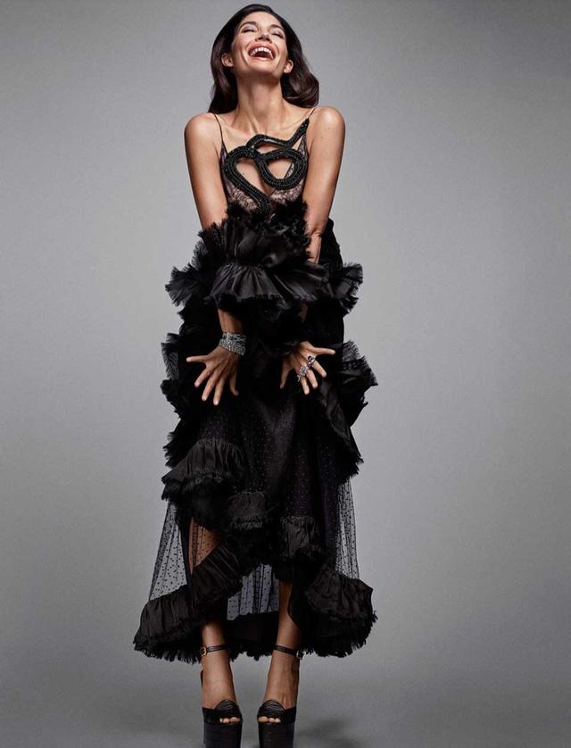 Thiên thần Victorias Secret đẹp lộng lẫy với bộ cánh sang chảnh - Ảnh 9.