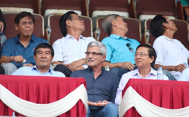 Tấn Tài tỏa sáng, Long An ở lại V.League 2017 - Ảnh 2.
