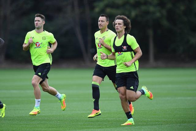 Bất chấp rủi ro, Conte vẫn để David Luiz đá trung vệ - Ảnh 1.
