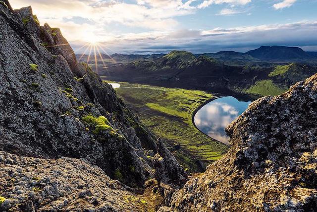 Ấn tượng trước quang cảnh đẹp như tranh vẽ ở Iceland - Ảnh 4.