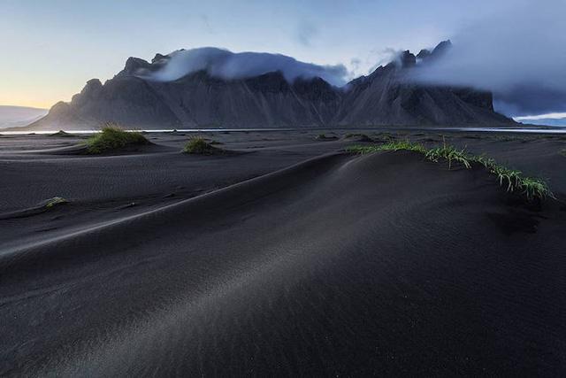 Ấn tượng trước quang cảnh đẹp như tranh vẽ ở Iceland - Ảnh 10.