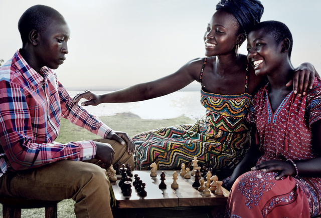 Lupita Nyongo rực rỡ sắc màu ở Kenya - Ảnh 2.