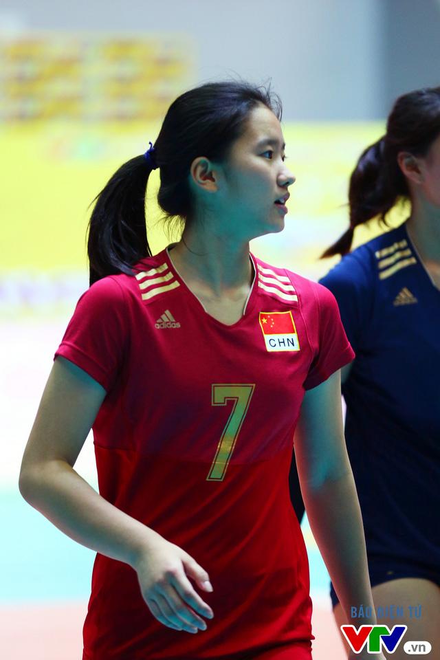 Cận cảnh nhan sắc của tiểu Lưu Diệc Phi ở ĐT trẻ Trung Quốc tại VTV Cup 2016 - Tôn Hoa Sen - Ảnh 12.