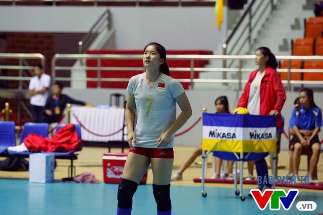 Cận cảnh nhan sắc của tiểu Lưu Diệc Phi ở ĐT trẻ Trung Quốc tại VTV Cup 2016 - Tôn Hoa Sen - Ảnh 6.