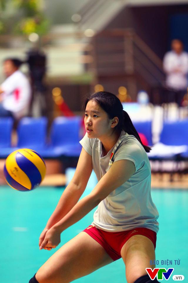 Cận cảnh nhan sắc của tiểu Lưu Diệc Phi ở ĐT trẻ Trung Quốc tại VTV Cup 2016 - Tôn Hoa Sen - Ảnh 1.