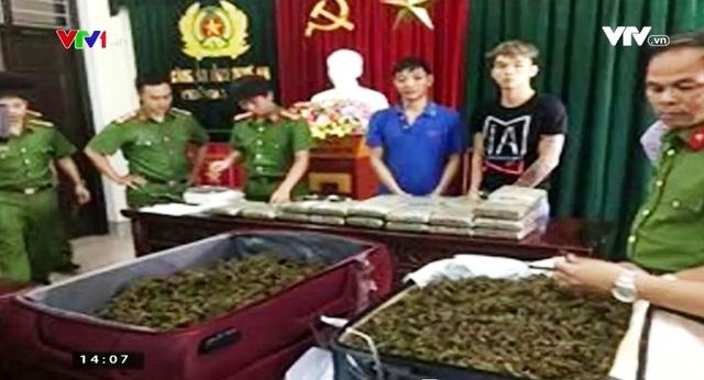 Nghệ An bắt giữ 2 đối tượng vận chuyển ma túy trái phép - Ảnh 1.