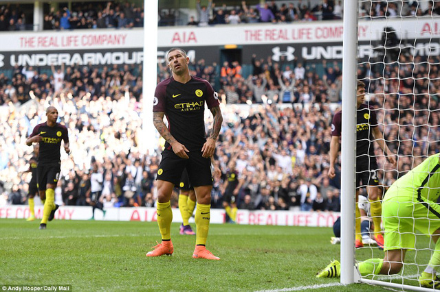 Tottenham 2-0 Man City: Pep Guardiola nhận thua trận đầu tiên ở giải Ngoại hạng Anh - Ảnh 2.