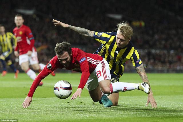 Kết quả Europa League sáng 21/10: Pogba tỏa sáng, M.U đánh bại Fenerbahce - Ảnh 1.