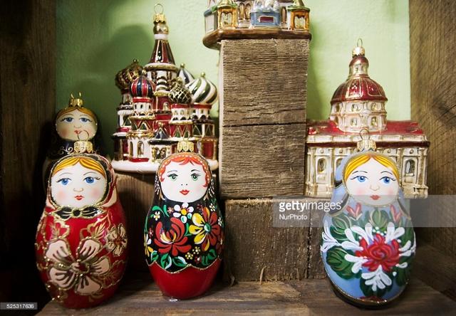 Búp bê gỗ Matryoshka - Biểu tượng của xứ sở bạch dương - Ảnh 1.