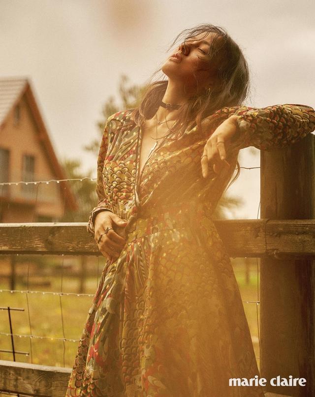 Lee Hyo Ri không thể cuốn hút hơn trên tạp chí Marie Claire - Ảnh 4.