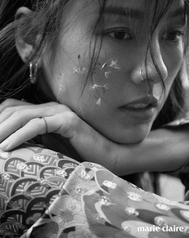 Lee Hyo Ri không thể cuốn hút hơn trên tạp chí Marie Claire - Ảnh 2.