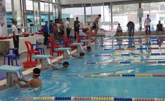 400 vận động viên tham gia tranh tài tại Giải bơi Thanh thiếu niên Hà Nội - Ảnh 3.