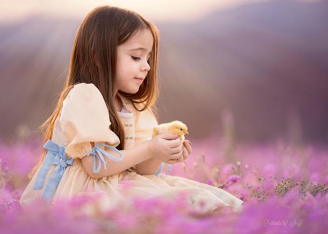Ngất ngây bộ ảnh siêu dễ thương về bé gái yêu động vật - Ảnh 5.
