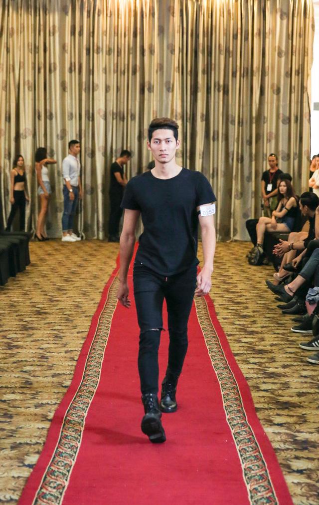 Top 18 VNTM nô nức casting người mẫu Tuần lễ thời trang quốc tế Việt Nam - Ảnh 11.