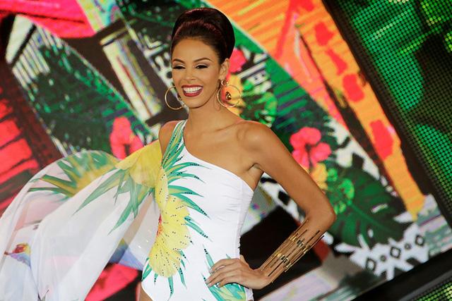Nhan sắc xinh đẹp của Hoa hậu Hoàn vũ Venezuela 2016 - Ảnh 7.