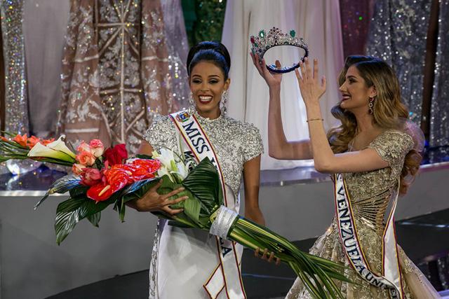 Nhan sắc xinh đẹp của Hoa hậu Hoàn vũ Venezuela 2016 - Ảnh 2.