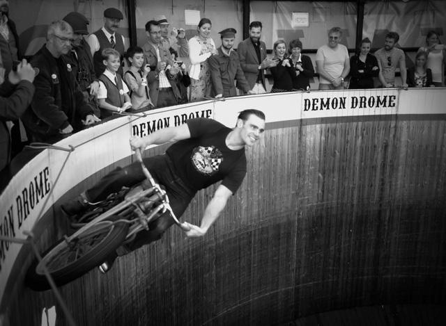 Lịch sử nghề điều khiển mô tô bay tại châu Âu - Ảnh 3.