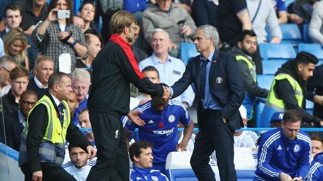 Nhìn lại những cuộc đối đầu giữa Jose Mourinho và Jurgen Klopp - Ảnh 5.
