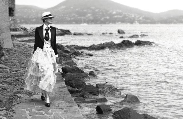 Dấu ấn Cuba trong chiến dịch thời trang mới của Chanel - Ảnh 3.