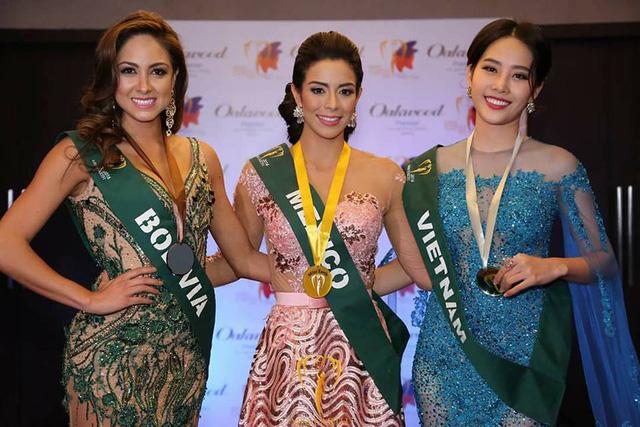 Nam Em tiếp tục rinh giải tại Hoa hậu Trái đất 2016 - Ảnh 3.