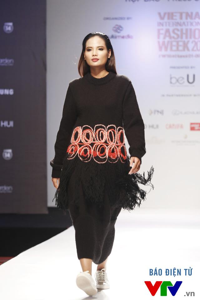 Ngọc Châu mở màn Tuần lễ thời trang quốc tế Việt Nam Thu - Đông 2016 - Ảnh 14.