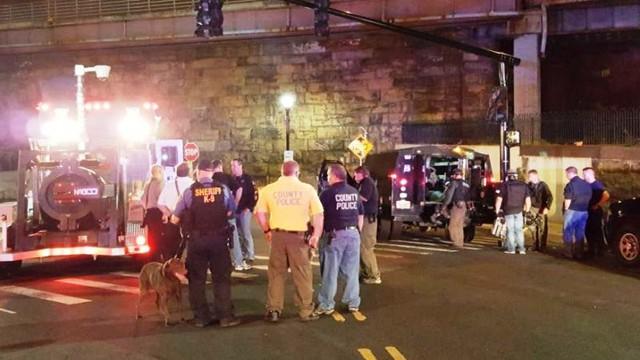 Nổ bom gần ga xe lửa tại New Jersey, Mỹ - Ảnh 1.