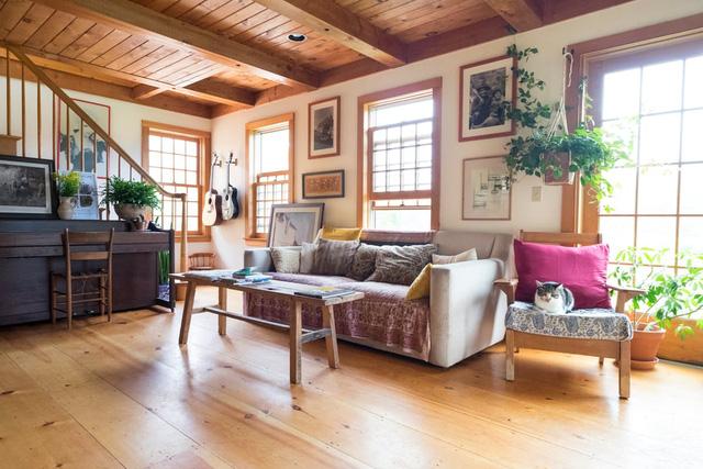Mê mẩn căn nhà gỗ ấm áp và bình yên ở làng quê nước Mỹ - Ảnh 3.