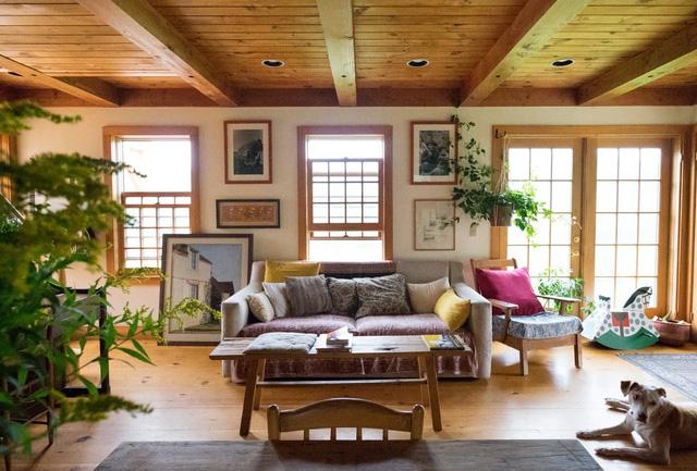 Mê mẩn căn nhà gỗ ấm áp và bình yên ở làng quê nước Mỹ - Ảnh 4.