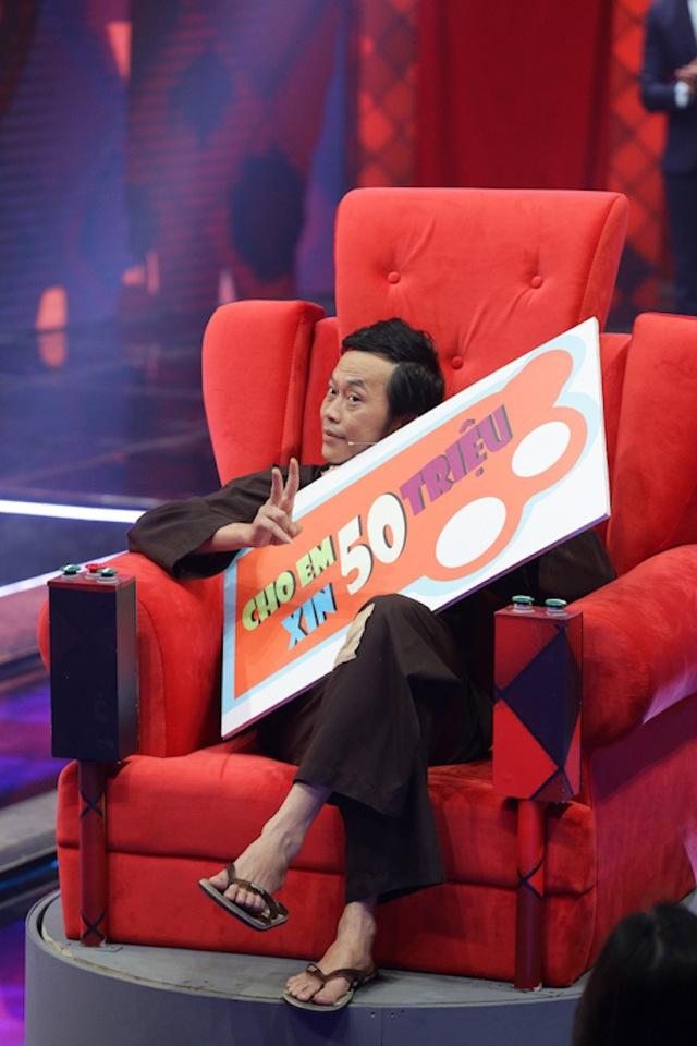 Hoài Linh, Xuân Bắc rủ nhau ngồi ghế nóng Nhà cười - Ảnh 1.