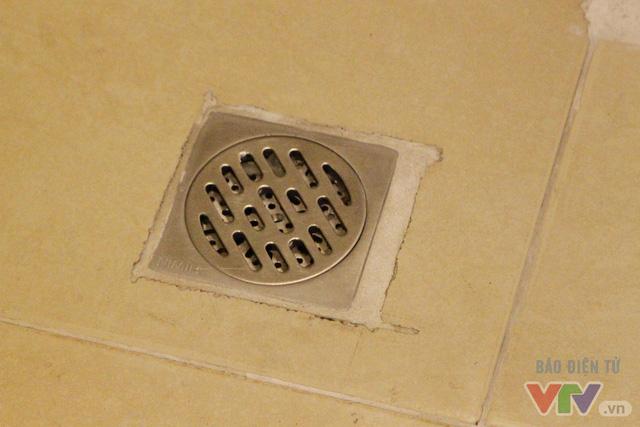 Cận cảnh nhà vệ sinh công cộng xanh, sạch, tiết kiệm ở Hà Nội - Ảnh 14.