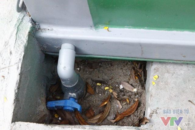 Cận cảnh nhà vệ sinh công cộng xanh, sạch, tiết kiệm ở Hà Nội - Ảnh 15.