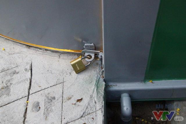 Cận cảnh nhà vệ sinh công cộng xanh, sạch, tiết kiệm ở Hà Nội - Ảnh 16.