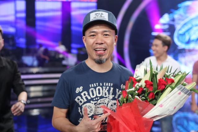 Vietnam Idol: Nhạc sĩ Huy Tuấn đón sinh nhật cùng top 3 trước Gala 9 - Ảnh 8.