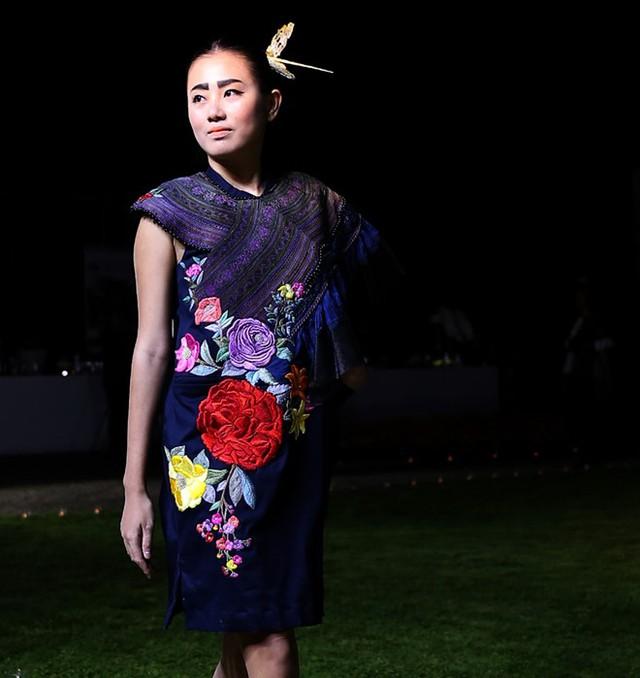 Hoa hậu Ngọc Hân sánh bước cùng người mẫu Pháp tại Paris - Ảnh 5.