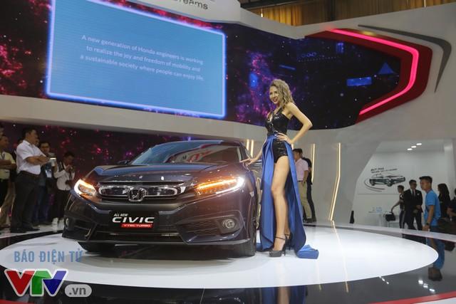 Hàng loạt mẫu xe hoàn toàn mới trình làng tại Triển lãm ô tô Việt Nam 2016 - Ảnh 6.