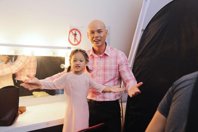 Con gái Phan Đinh Tùng siêu đáng yêu trong Sài Gòn đêm thứ 7 - Ảnh 3.