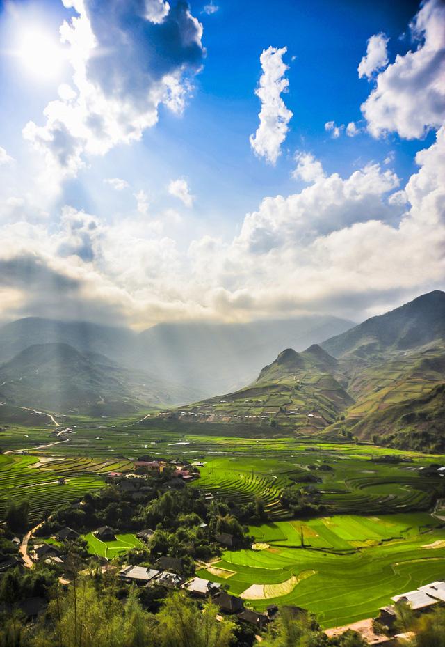 Thiên nhiên Việt Nam đẹp huyền ảo qua ống kính của 9x mê du lịch - Ảnh 1.