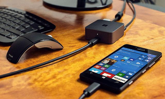 Giảm giá mạnh Lumia 950 và 950 XL, Microsoft dọn kho để ra mắt Surface Phone mới? - Ảnh 1.