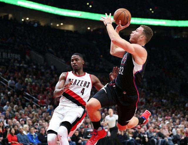 Los Angeles Clippers chấm dứt chuỗi trận thắng của Portland Trail Blazers - Ảnh 1.