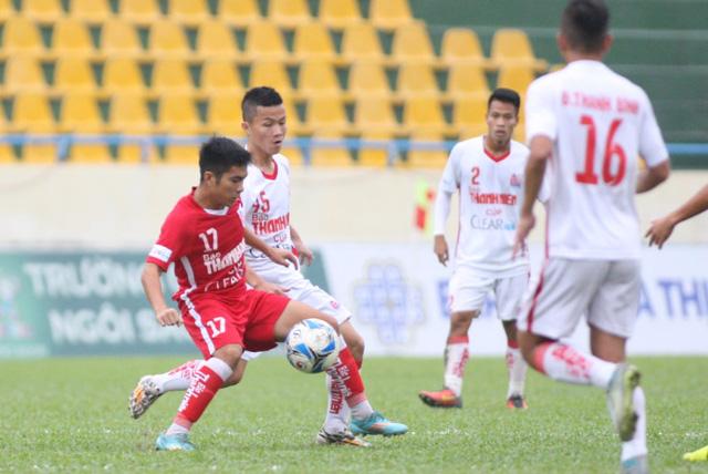 Thắng kịch tính U21 HAGL từ chấm lưu luân 11m, U21 Sanna Khánh Hòa vào chung kết - Ảnh 2.