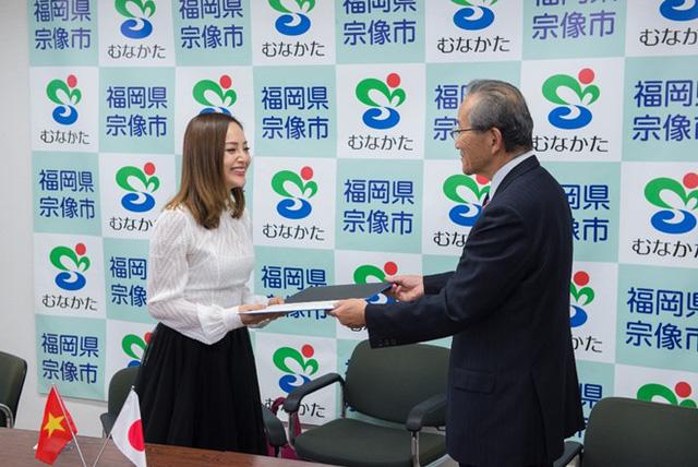 Lan Phương trở thành đại sứ của thành phố ở Nhật Bản - Ảnh 1.