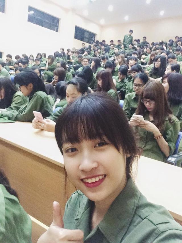 Ngắm ảnh đời thường mộc mạc khó tin của Hoa hậu Việt Nam 2016 - Ảnh 9.