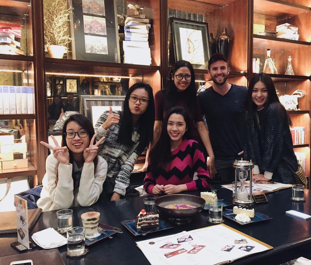 Ngắm ảnh đời thường mộc mạc khó tin của Hoa hậu Việt Nam 2016 - Ảnh 3.