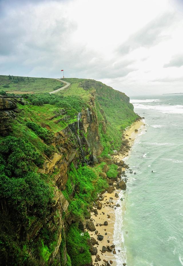 Thiên nhiên Việt Nam đẹp huyền ảo qua ống kính của 9x mê du lịch - Ảnh 2.