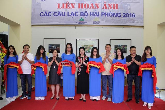 Khai mạc và trao giải Triển lãm Liên hoan ảnh các Câu lạc bộ nhiếp ảnh Hải Phòng năm 2016 - Ảnh 2.