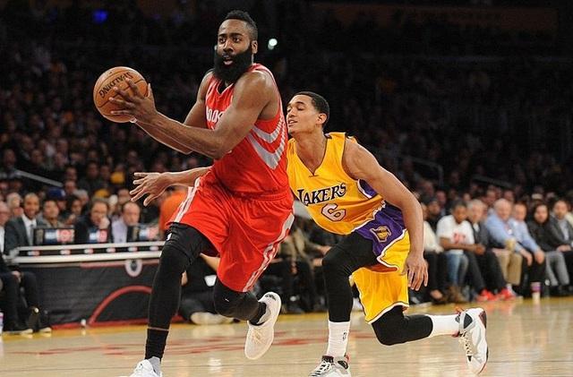 Los Angeles Lakers đánh bại Houston Rockets trong ngày ra quân - Ảnh 1.